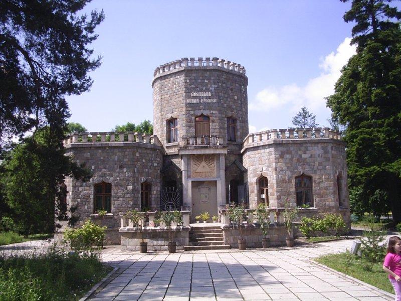 Iulia Hasdeu- spiritul care inca bantuie Castelul de la Campina