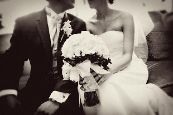 Varsta la care te vei casatori conteaza