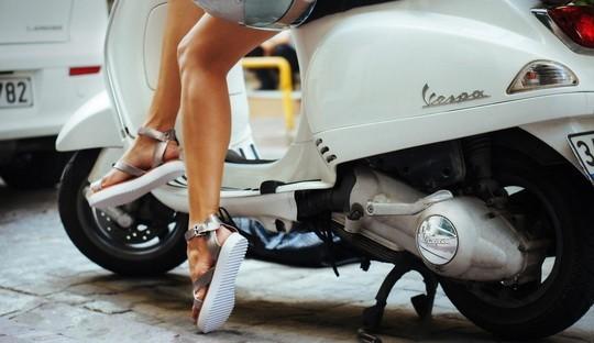 Sandalele din piele – solutia pentru confortul picioarelor pe timp de vara